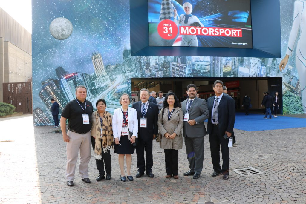 Delegacion mexicana en Autopromotec