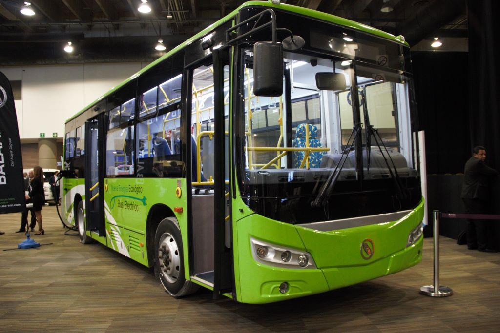 IUSA presenta un autobús eléctrico