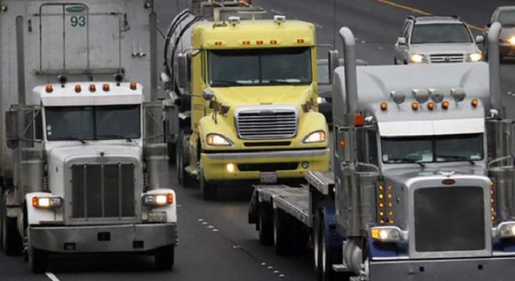 Cae venta de camiones