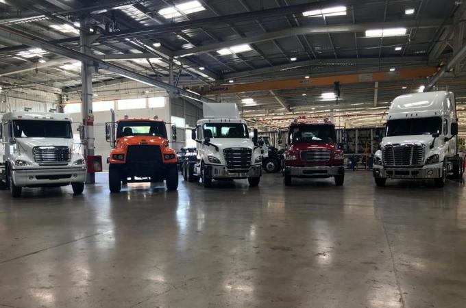 Daimler cierra sus planta por COVID19