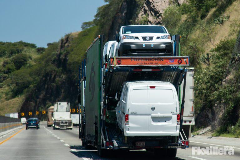 El paro de labores de la industria afecta al autotransporte