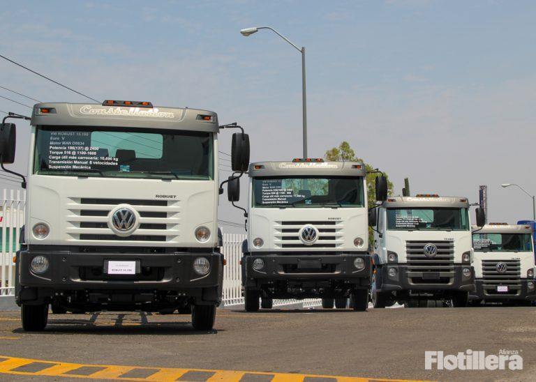 Volkswagen Camiones y Autobuses presume sus camiones, que ayudarán a actividades esenciales.