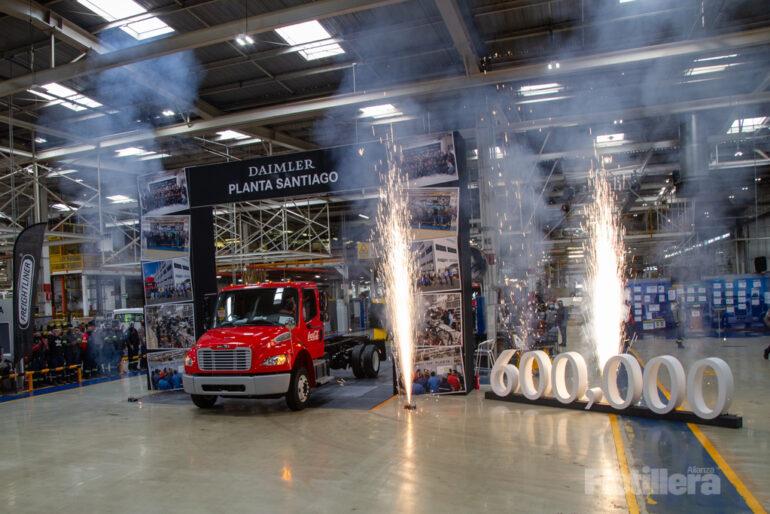 Daimler Trucks México Unidad 600mil