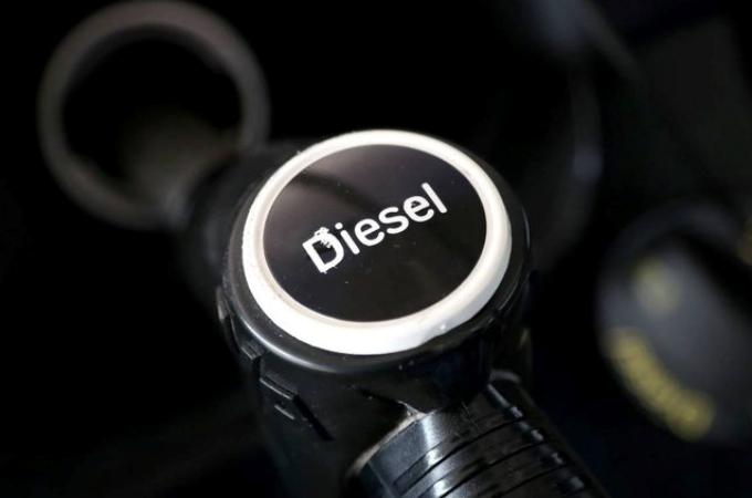 Combustibles mantienen precios a la alza en abril
