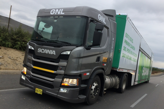 Scania rueda su primer camión de gas en Latinoamérica