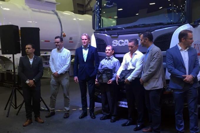 Adquirirá ALR 25 unidades R500 de Scania